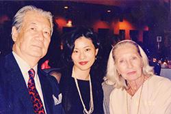 左から薄井憲二さま、私、イリーナ・バロノワ